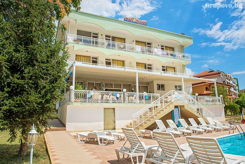 Лято на 50м. от плажа в Свети Влас! Нощувка на човек със закуска и вечеря + басейн от хотел Панорама***, снимка 2