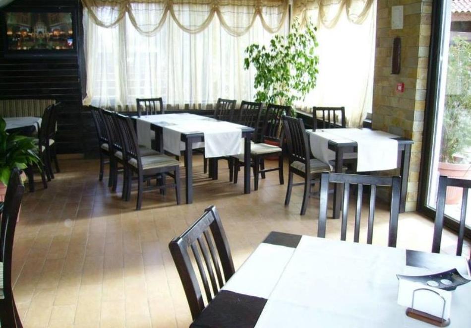 Нощувка на човек със закуска, обяд* и вечеря* от хотел Балкан Парадайс, Априлци, снимка 5