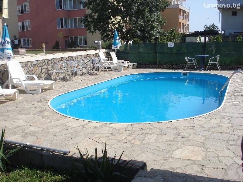 Нощувка за двама, трима или четирима + басейн в хотел Атива, Лозенец, снимка 2