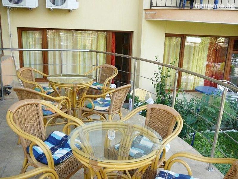 Нощувка за двама, трима или четирима + басейн в хотел Атива, Лозенец, снимка 7