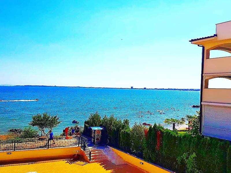 Лято на брега на морето в Свети Влас! Нощувка за двама, трима или четирима + басейн в комплекс Хоризонт, снимка 11
