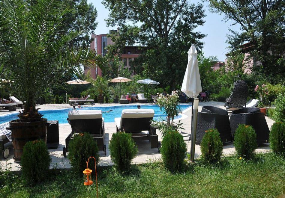Нощувка на човек със закуска, обяд* и вечеря + басейн в хотел Мида, Слънчев Бряг, снимка 5