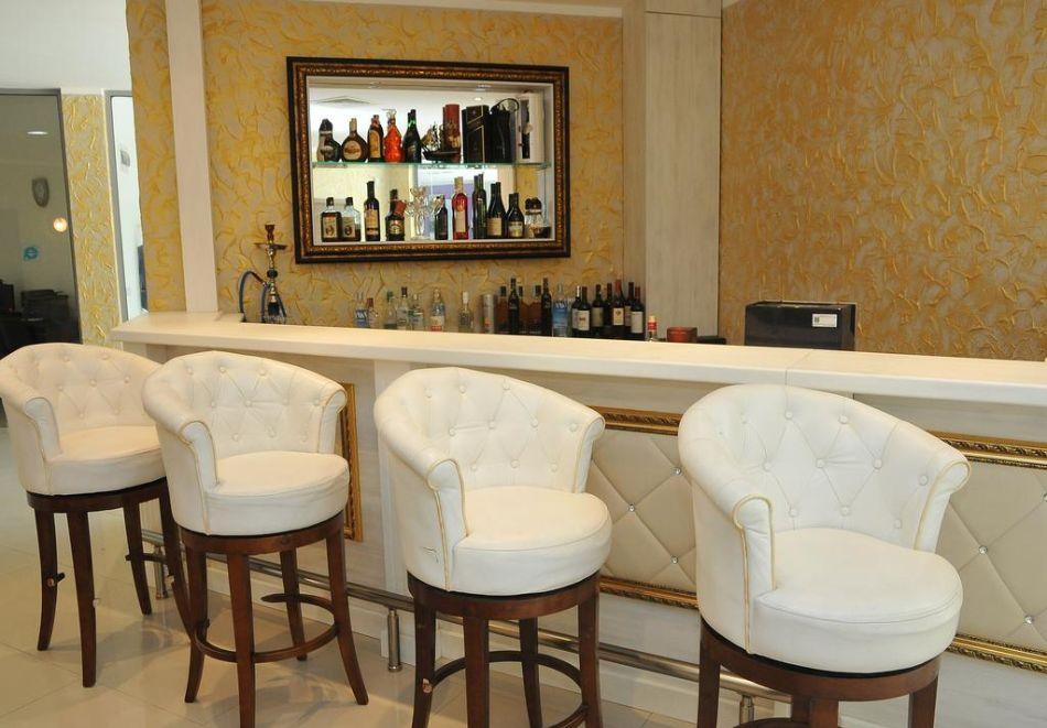 Нощувка на човек със закуска, обяд* и вечеря + басейн в хотел Мида, Слънчев Бряг, снимка 13