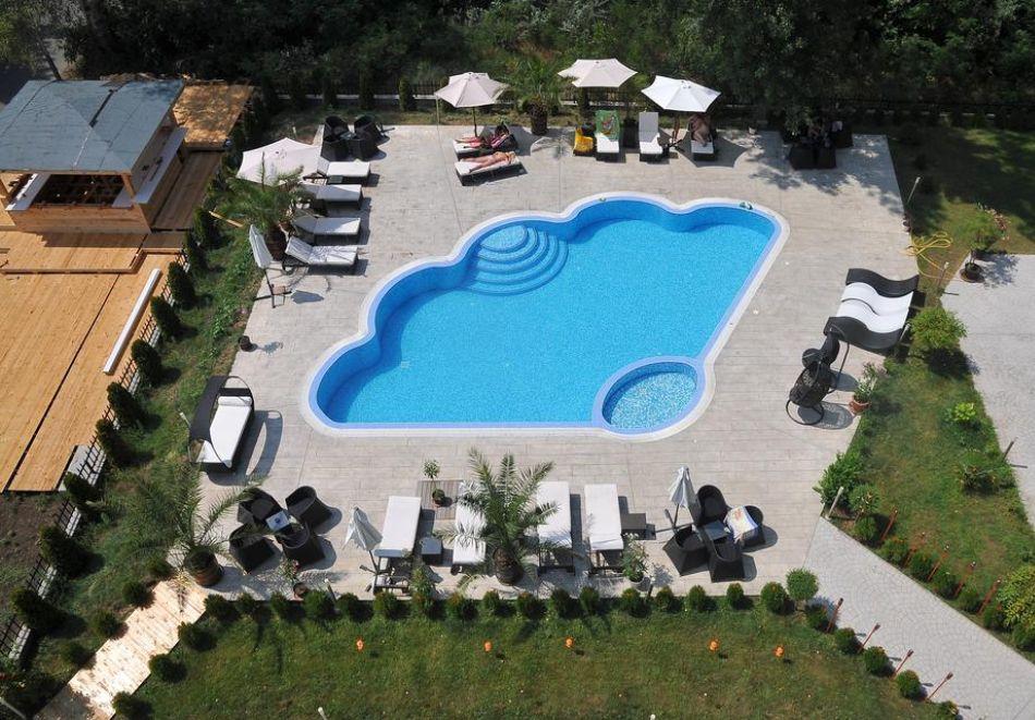 Нощувка на човек със закуска, обяд* и вечеря + басейн в хотел Мида, Слънчев Бряг, снимка 3