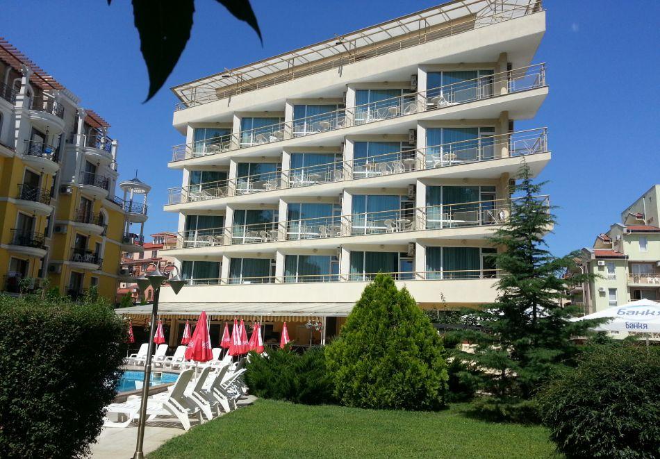 1, 2 или 3 нощувки на човек със закуски и вечери + басейн в хотел Дева, Слънчев бряг. Дете до 12г. - безплатно!, снимка 13
