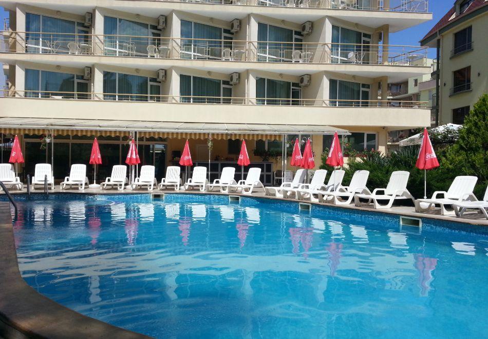 1, 2 или 3 нощувки на човек със закуски и вечери + басейн в хотел Дева, Слънчев бряг. Дете до 12г. - безплатно!, снимка 2