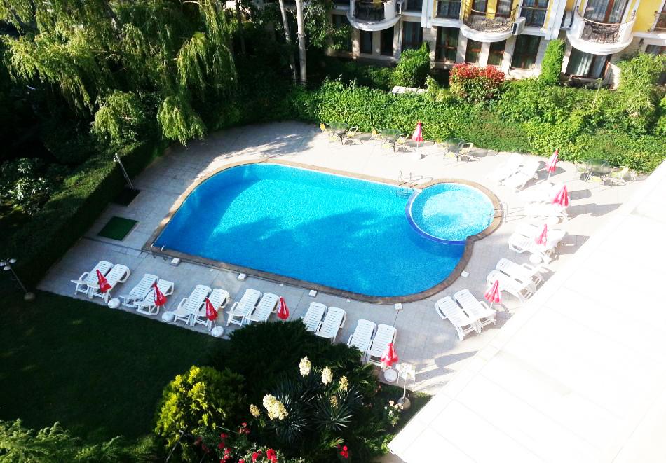 1, 2 или 3 нощувки на човек със закуски и вечери + басейн в хотел Дева, Слънчев бряг. Дете до 12г. - безплатно!, снимка 12