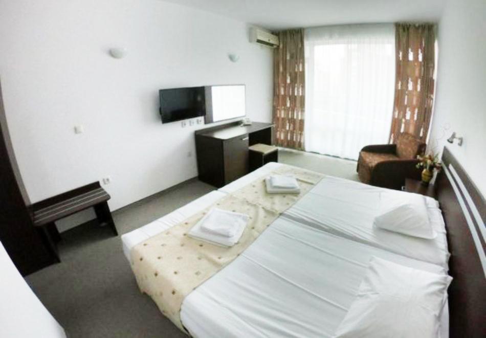 1, 2 или 3 нощувки на човек със закуски и вечери + басейн в хотел Дева, Слънчев бряг. Дете до 12г. - безплатно!, снимка 8