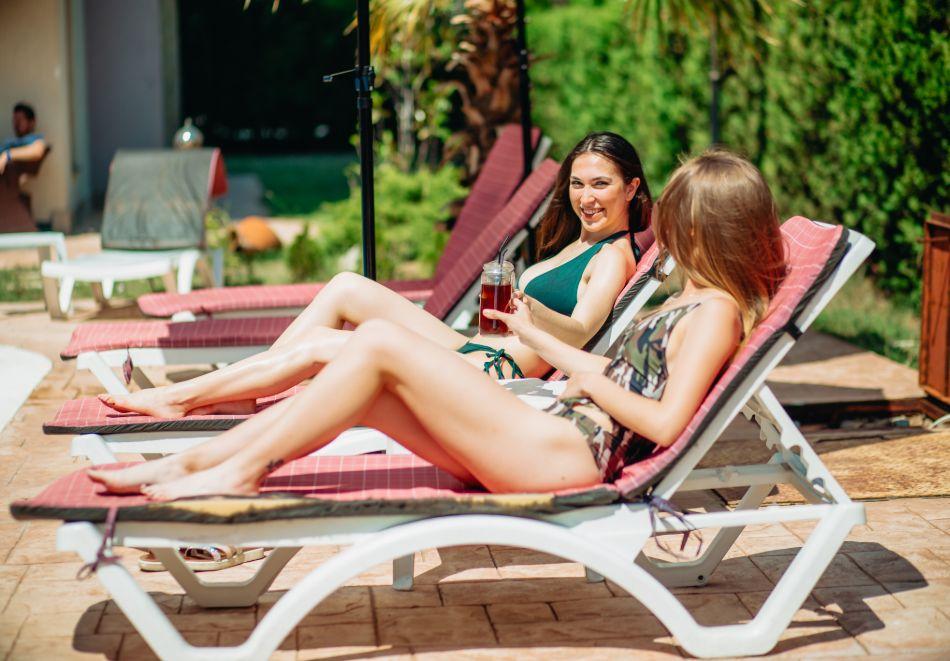 1, 2 или 3 нощувки на човек със закуски + басейн в Апарт хотел Магнолия Гардън, Слънчев бряг. Дете до 12г. - безплатно, снимка 11