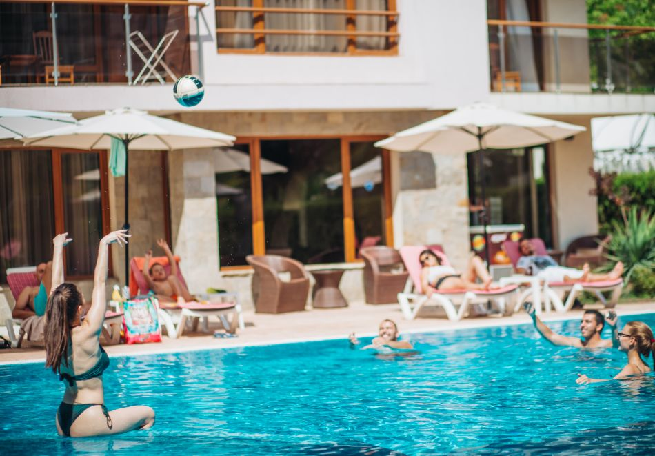 1, 2 или 3 нощувки на човек със закуски + басейн в Апарт хотел Магнолия Гардън, Слънчев бряг. Дете до 12г. - безплатно, снимка 8