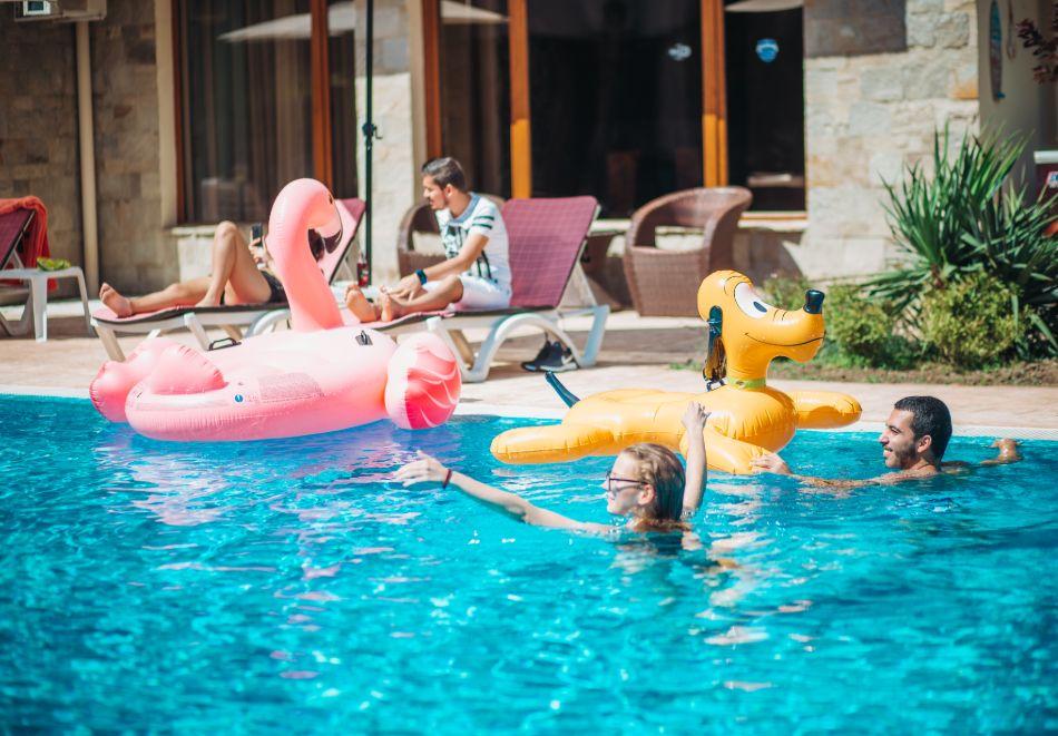 1, 2 или 3 нощувки на човек със закуски + басейн в Апарт хотел Магнолия Гардън, Слънчев бряг. Дете до 12г. - безплатно, снимка 7