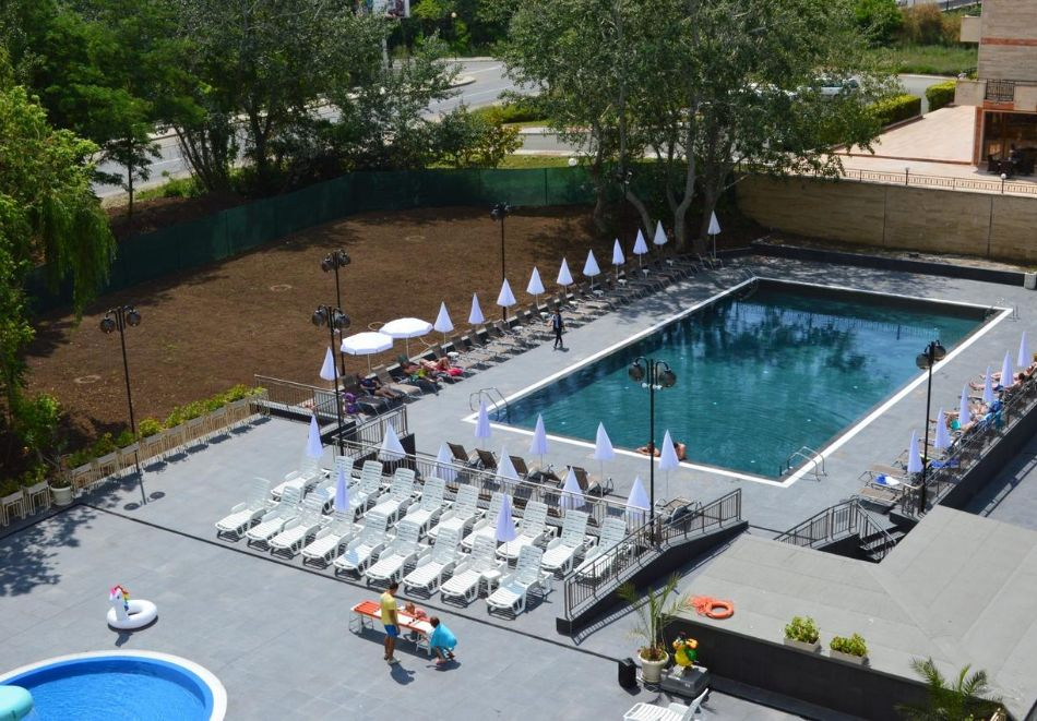 2 нощувки на човек на база All inclusive + басейн в хотел Аквамарин, Слънчев Бряг. Дете до 13г. - БЕЗПЛАТНО!!, снимка 4