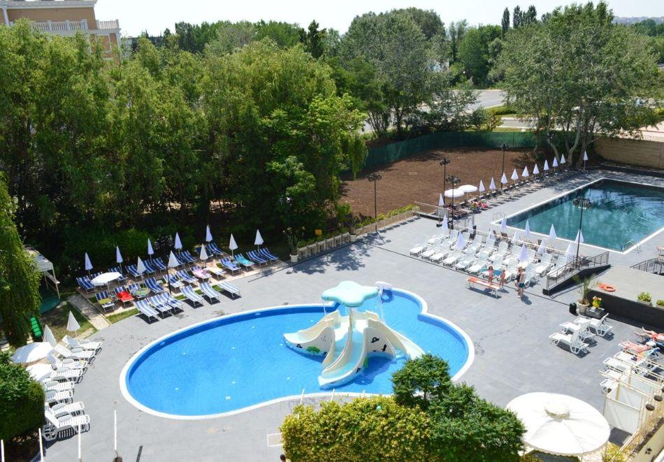 2 нощувки на човек на база All inclusive + басейн в хотел Аквамарин, Слънчев Бряг. Дете до 13г. - БЕЗПЛАТНО!!, снимка 3