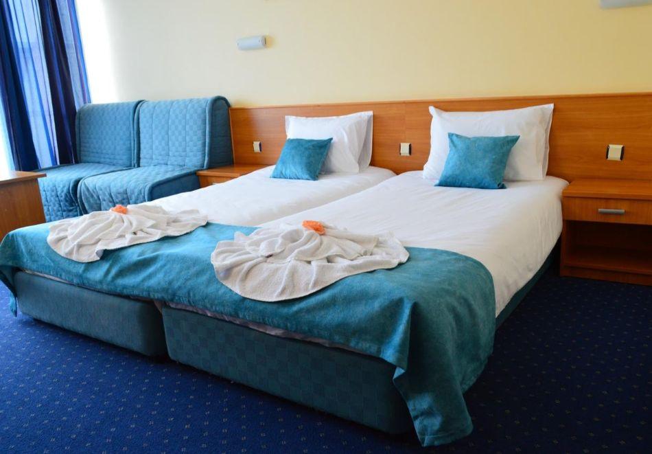 2 нощувки на човек на база All inclusive + басейн в хотел Аквамарин, Слънчев Бряг. Дете до 13г. - БЕЗПЛАТНО!!, снимка 6