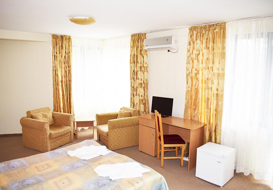 Майски празници в Балнео-хотел Свети Мина, Бургаски минерални бани! 3 или 5 нощувки на човек със закуски, обеди и вечери + балнео процедури или минерален басейн и СПА пакет, снимка 15