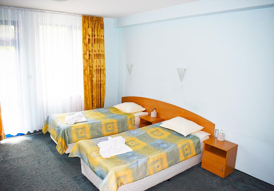 Майски празници в Балнео-хотел Свети Мина, Бургаски минерални бани! 3 или 5 нощувки на човек със закуски, обеди и вечери + балнео процедури или минерален басейн и СПА пакет, снимка 11