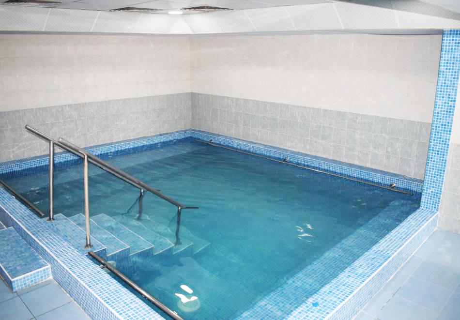 Майски празници в Балнео-хотел Свети Мина, Бургаски минерални бани! 3 или 5 нощувки на човек със закуски, обеди и вечери + балнео процедури или минерален басейн и СПА пакет, снимка 3