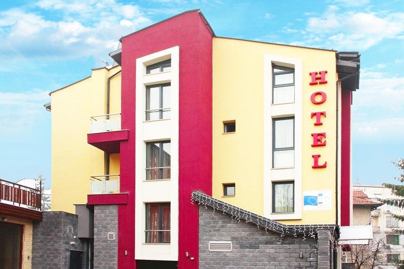 2 нощувки на човек със закуски и вечери + релакс зона в семеен хотел Свети Георги, Велинград, снимка 2