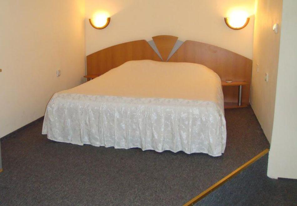 Нощувка на човек със закуска и вечеря + парна баня и сауна от хотел Здравец, Тетевен, снимка 5