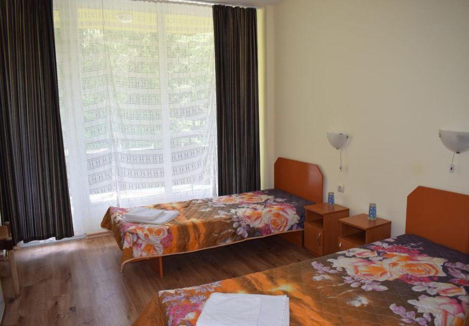 Нощувка на човек със закуска и вечеря + парна баня и сауна от хотел Здравец, Тетевен, снимка 6