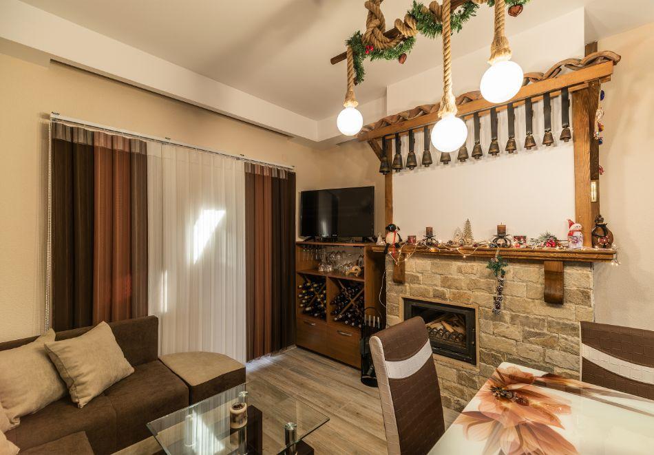 Нощувка за петима от апартаменти за Гости Ковачева 2, Банско, снимка 8