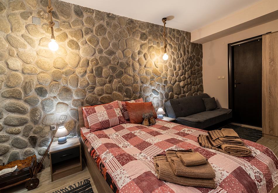 Нощувка в апартамент с капацитет до 5 човека от Апартаменти за Гости Ковачева 2, Банско, снимка 15