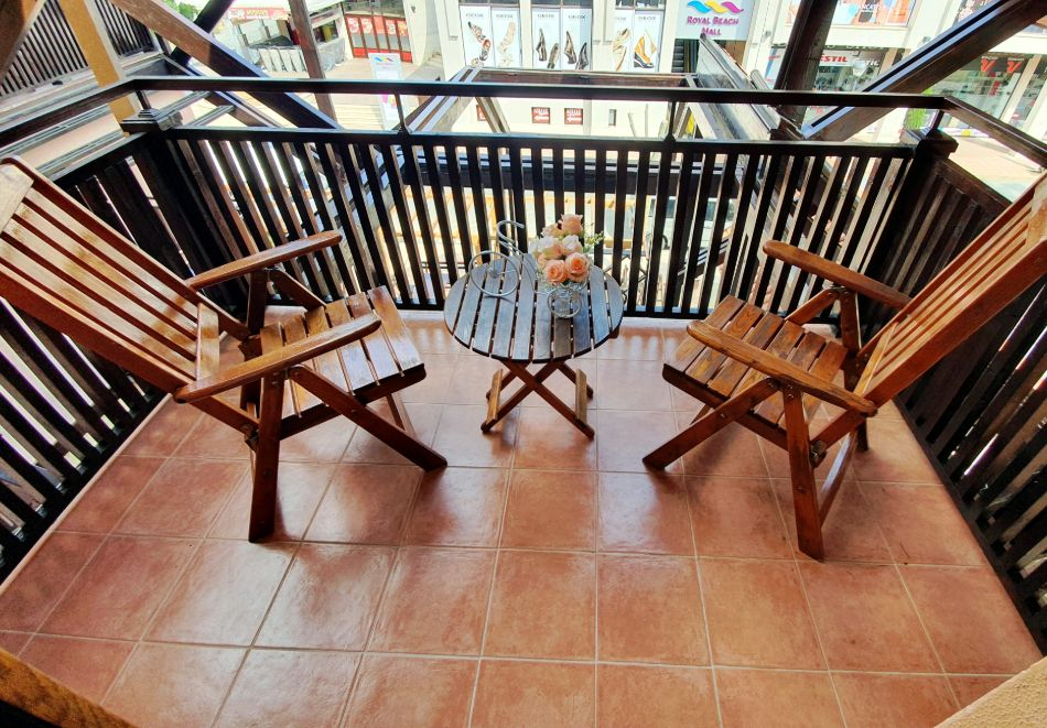 Нощувка на човек със закуска в хотел Вила Бора, на 80м. от плажа в Слънчев Бряг, снимка 10