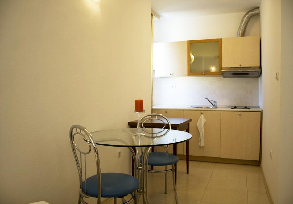 Нощувка на човек със закуска, обяд* и вечеря + басейн в апарт-хотел Съни Хаус, Слънчев бряг, снимка 9
