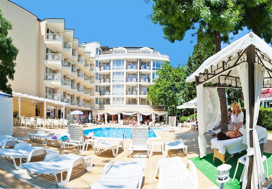 Нощувка със закуска на човек + басейн в хотел Карлово, Слънчев бряг, снимка 3