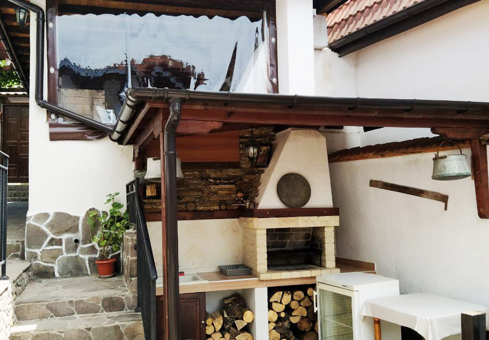 Наем за 1 нощувка на самостоятелна къща до 17 човека от къща за гости Елена, с. Полковник Серафимово, край Смолян, снимка 9