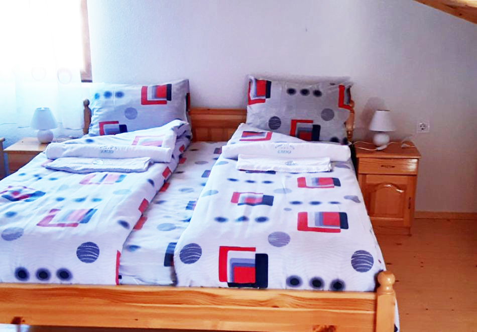 Наем за 1 нощувка на самостоятелна къща до 17 човека от къща за гости Елена, с. Полковник Серафимово, край Смолян, снимка 6