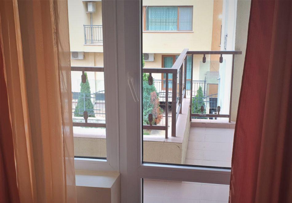 Нощувка на човек + басейн в Семеен хотел Мегас, Слънчев бряг, снимка 13