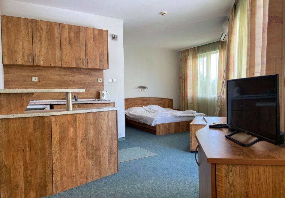 Семеен хотел Маргарита, Кранево