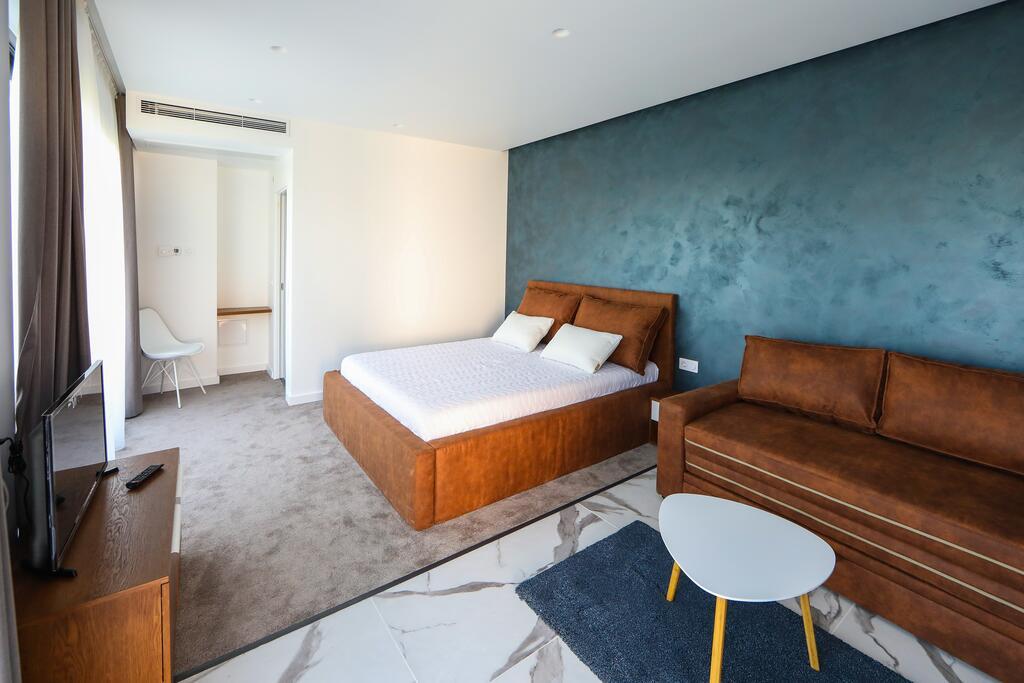 Нощувка със закуска с капацитет до 8 човека + сауна и джакузи с минерална вода от Къща за гости Графит, Огняново, снимка 4