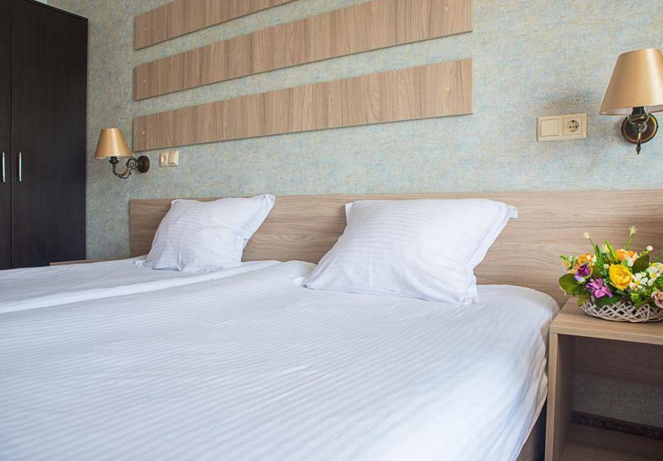 Нощувка на човек на база All Inclusive + СПА процедури + басейн и анимация в хотел Империал Ризорт, Слънчев бряг, снимка 11