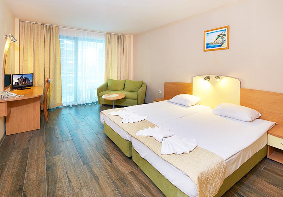 Нощувка на човек на база All Inclusive + басейн в хотел Диамант****, Слънчев бряг. Дете до 12.99 г. - БЕЗПЛАТНО, снимка 7