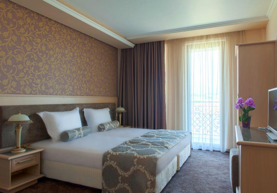 Почивка до Сандански! Нощувка на човек със закуска + басейн и СПА от хотел Мантар, с. Марикостиново, снимка 12