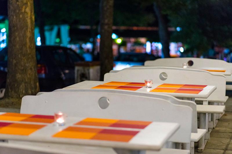 Нощувка със закуска и вечеря за двама + две деца до 12г. + басейн в семеен хотел Грийн Палас, Китен, снимка 12