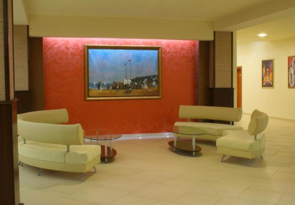 Нощувка на човек  студио със закуска и вечеря + Аквапарк и басейн в хотел Искър, Слънчев бряг на 60м. от плажа, снимка 16