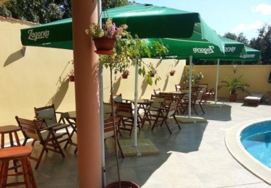 Нощувка на човек със закуска и вечеря + басейн в хотел Дайана бийч***, Синеморец, снимка 19