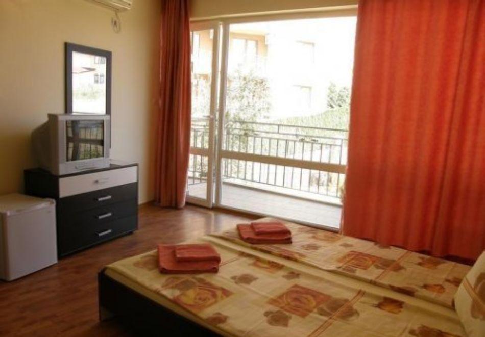 Нощувка на човек със закуска и вечеря + басейн в хотел Дайана бийч***, Синеморец, снимка 10