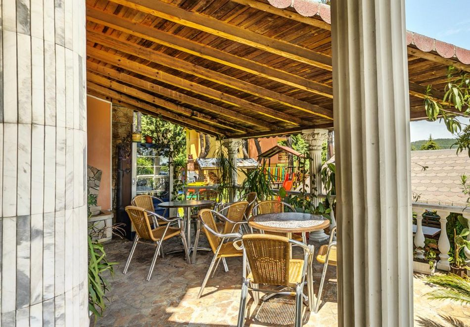 Септември в Цигов чарк! Нощувка за ДВАМА + басейн, барбекю и оборудвана кухня от Вила Кълвачеви, снимка 12