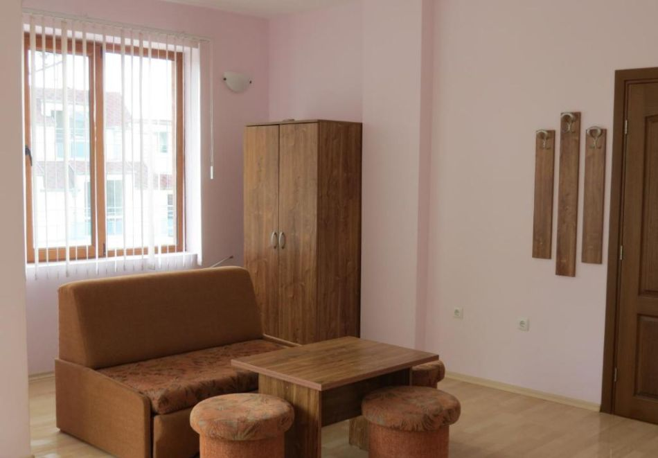 Нощувка със закуска за двама или трима в Мариана, Приморско, снимка 10