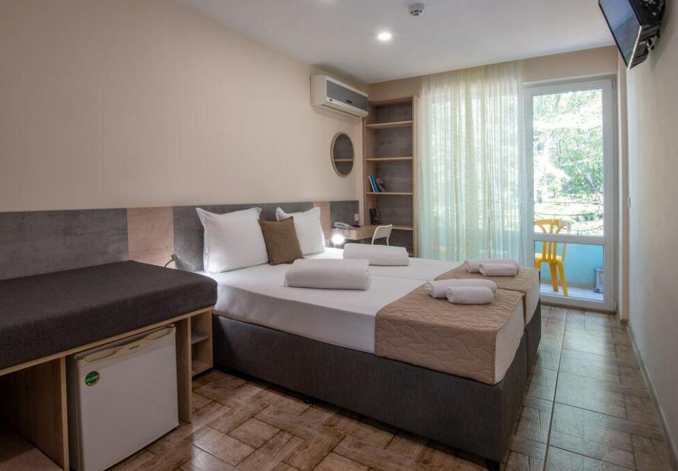 Нощувка на човек на база All Inclusive + басейн в хотел Ариана, Китен на 200м. от плажа. ДВЕ ДЕЦА ДО 11.99Г. БЕЗПЛАТНО., снимка 7