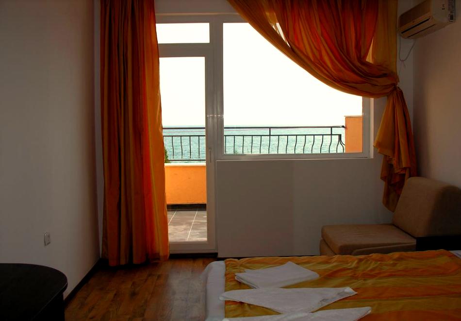 Лято 2021 на 40 метра от плажа в Равда! 5 или 7 нощувки на човек със закуски и вечери в хотел Германа Бийч, снимка 9
