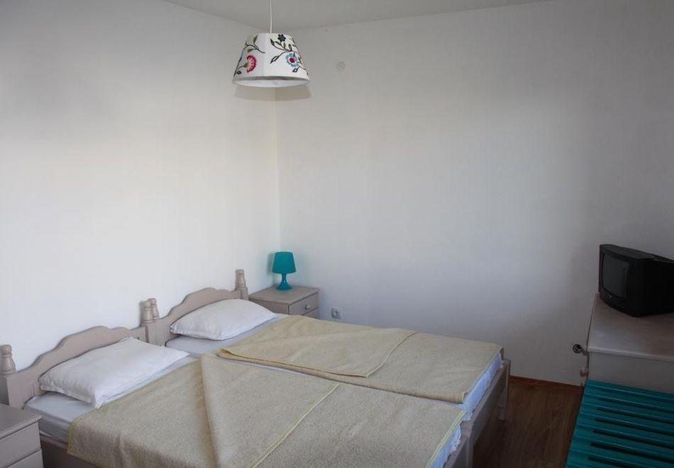 Нощувка на човек във Вила Елмар, Китен., снимка 4