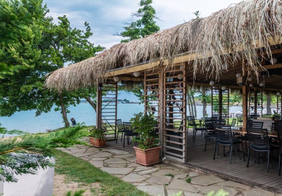 Лято на 1-ва линия в Созопол. Нощувка на човек на база All inclusive + басейн, чадър и шезлонг на плажа от хотел Вива Маре Бийч. Дете до 12г. - БЕЗПЛАТНО, снимка 10