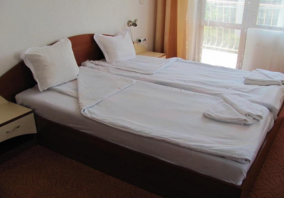 Лято в Приморско на 150м. от плажа! 3+ нощувки на човек в хотел Стоп, снимка 6