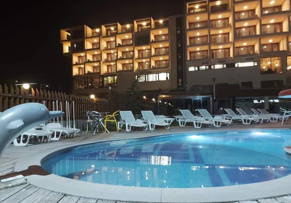 7 нощувки на човек със закуски и вечери + минерални басейни + вход за Аква клуб Котвата и релакс зона в хотел Петте елемента, Сапарева баня, снимка 5