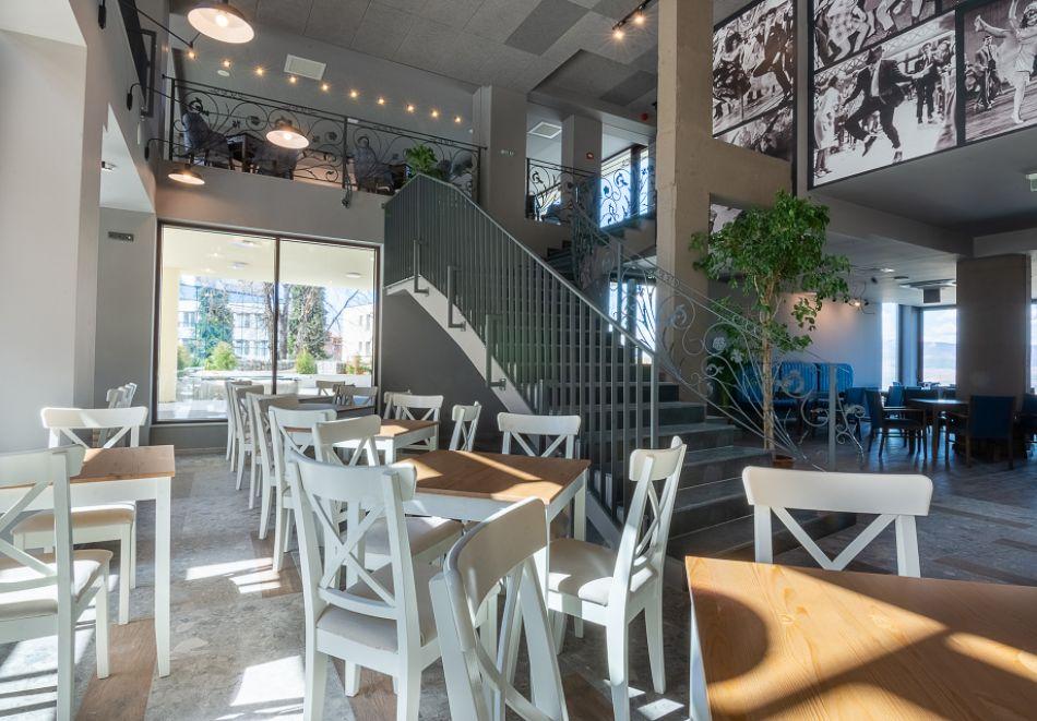 7 нощувки на човек със закуски и вечери + минерални басейни + вход за Аква клуб Котвата и релакс зона в хотел Петте елемента, Сапарева баня, снимка 14
